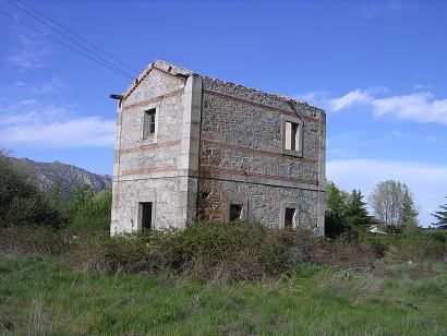 edificio de la estación del Berrocal